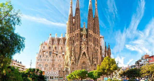 Những địa điểm phải đến tại Barcelona